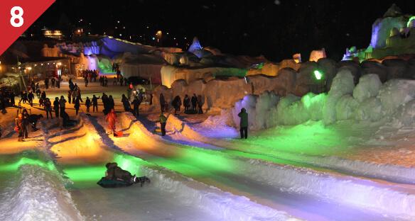 氷の滑り台体験